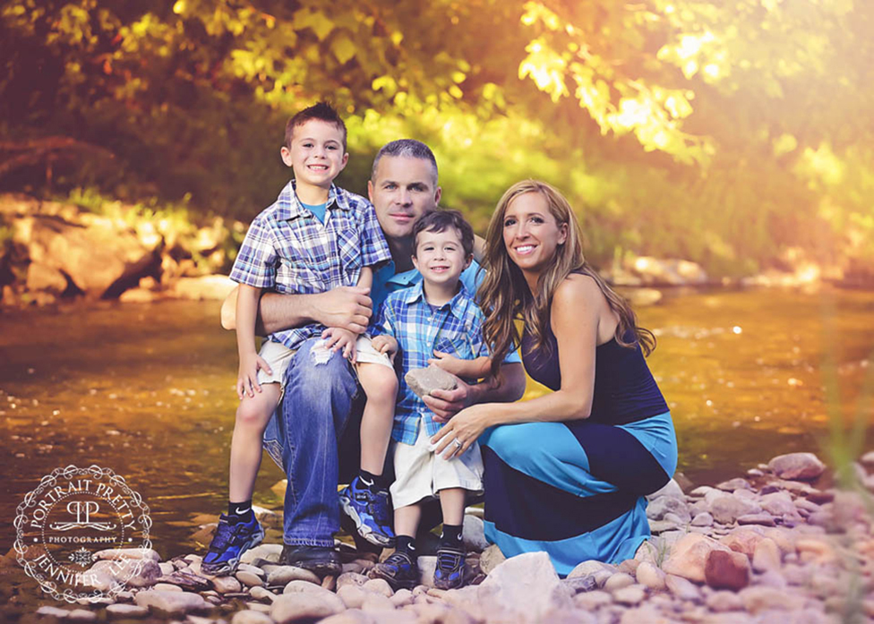 buffalo photography family portraits at creek