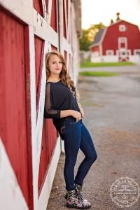 senior portraits red barn east aurora