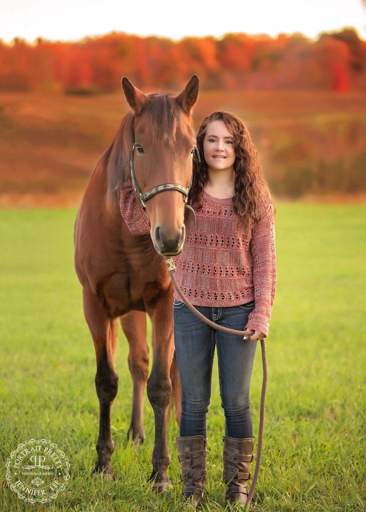 country girl senior portraits with horse buffalo photographers portrait pretty photography