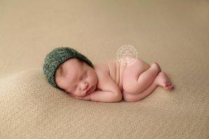 newborn-photographers-in-buffalo-ny-portrait-pretty